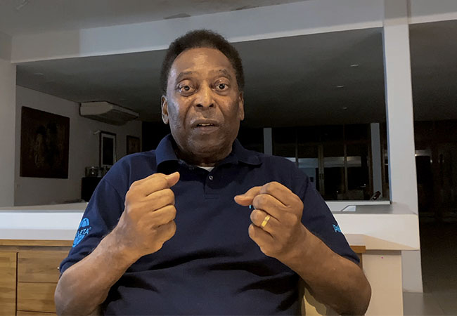Pele released from hospital, undergoing chemotherapy