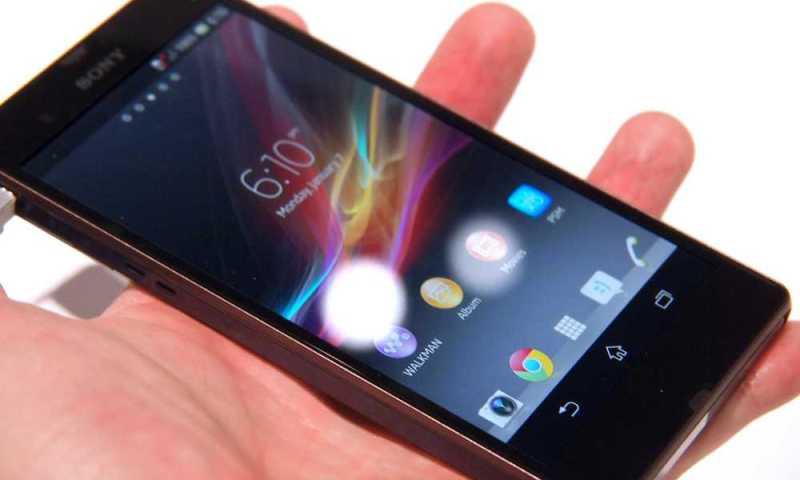 Sony Xperia Z – Arrivano due nuovi spot per mostrarne le qualità di impermeabilità