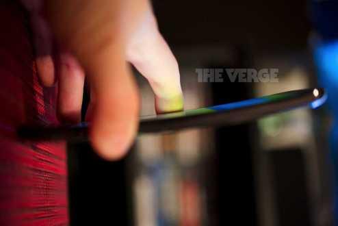 LG G Flex | Arrivano nuove foto che mostrano i tasti posteriori!
