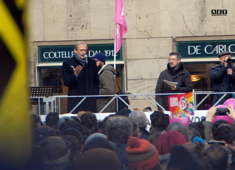 Мэр Турина на манифестации ЛГБТ