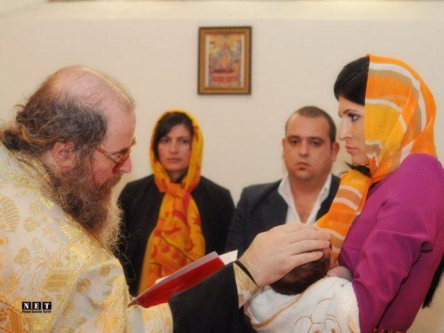 Servicii Foto - Video nunta / botez. Fotografii si filmari HD si FullHD Italia