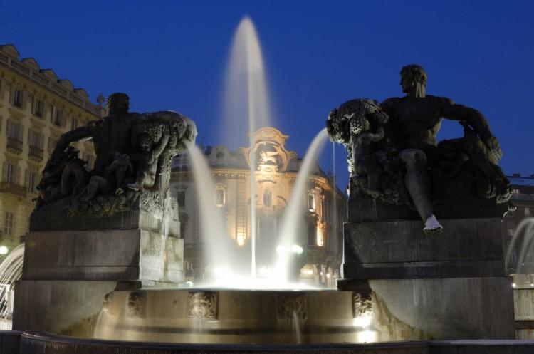 fontana-angelica-torino-piazza-solferino