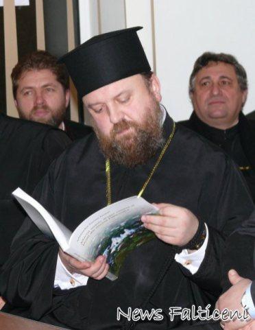 Arhimandrit Timotei Aioanei citind din Aduceri aminte despre oameni si locuri din tinutul Falticenilor