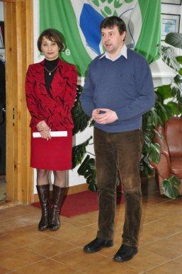 Falticeni-24 ianuarie Scoala Cuza director Daniela Ilincai si primarul Catalin Coman