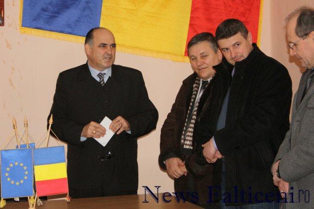Falticeni-Directorul Paul Buhlea_comndant Politie Ioan Nichitoi_primar Catalin Coman