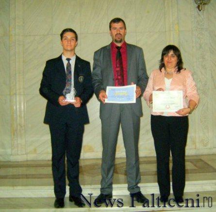 Falticeni-de la stanga la dreapta elev Pintilie, director Matei prof Tuchiac