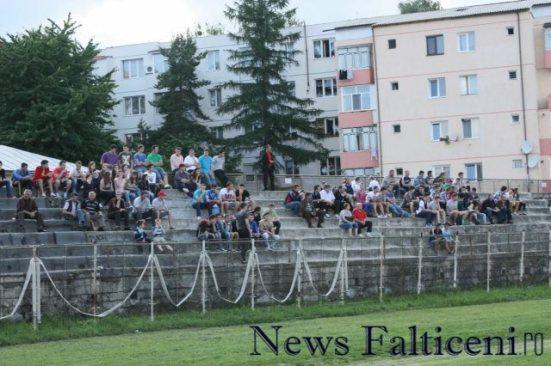 Falticeni-Spectatori IMG_1760
