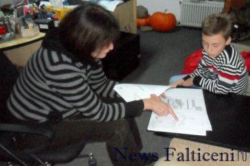 Falticeni-elev cu proiectantul Lena Pricopoaia