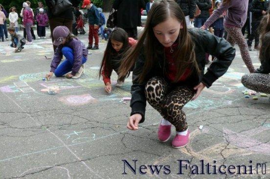 Falticeni-desene pe asfalt 2