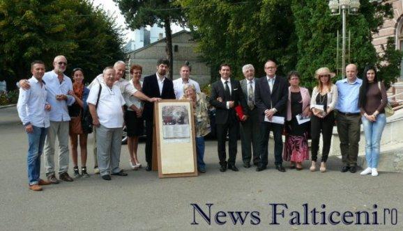 Falticeni-Actori regizori cetateni onoare dupa sedinta