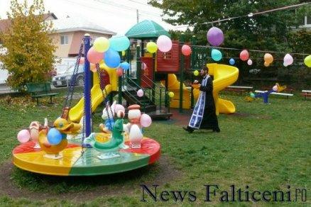 Falticeni-sfintire parc joaca 2
