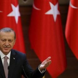 Οι Τούρκοι αλωνίζουν κι εμείς ασχολούμαστε με τον Μπελογιάννη!