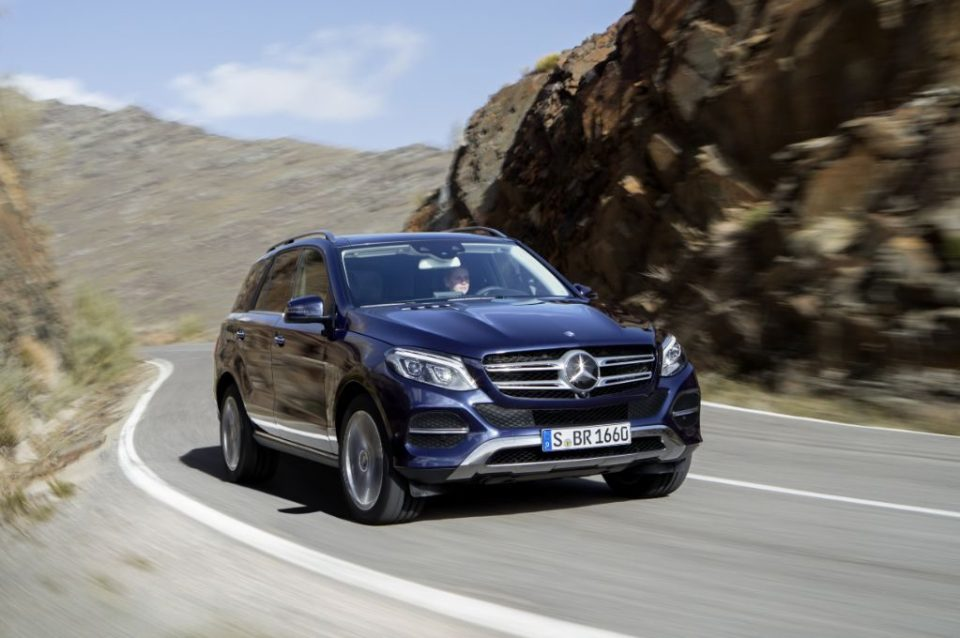 Auto Moto Mercedes Benz celebrates SUV