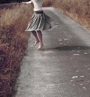 DancingToTheSun_Fairy_Bluebird via WeHeartIt