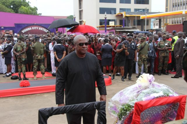 President Mahama attends service to mark nation's worst disaster