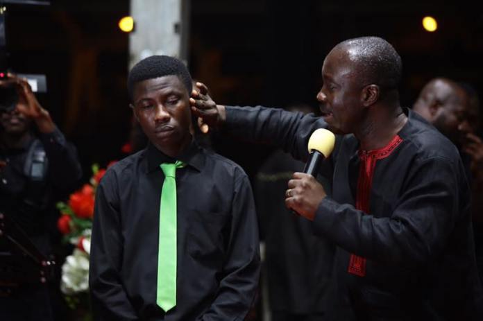 2017-lighthouse-chapel-good-friday-miracle-service-7