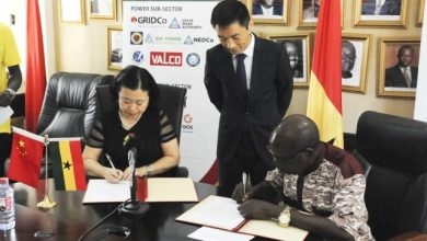 Chinese Ambassador to Ghana Sun Baohong (1st L) and Thomas Akabzaa (1st R), Ghanaian Chief Director of the Ministry of Energy, attend the signing ceremony of China's donation of multi-million-dollar solar energy equipment to the government of Ghana in Accra, Ghana, June 30, 2017. The Chinese government is willing to expand win-win cooperation with Ghana, Chinese Ambassador to Ghana Sun Baohong said here on Friday. (Xinhua/Shi Song) (jmmn)