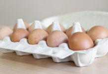Photo taken on Aug. 9, 2017 shows eggs sold in a Belgian market, in Brussels, Belgium. Millions of contaminated eggs were withdrawn from the market last week in the Netherlands, Belgium, Germany and Switzerland, after it was discovered that the eggs had presence of fipronil. (Xinhua/Ye Pingfan)(whw)