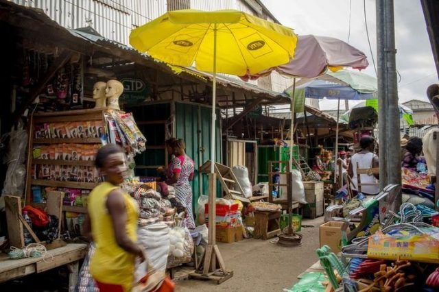 Customers peruse goods at Makola market in Accra, Ghana, June 15, 2015.Francis Kokoroko/File Photo