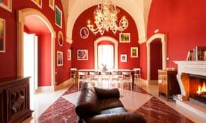 The breakfast lounge at Casa Diva