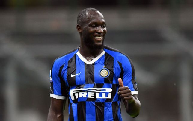 Romelu Lukaku celebrates after scoring for Inter against Lecce