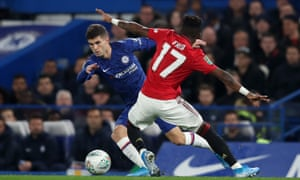 Christian Pulisic of Chelsea goes past Fred of Manchester United.