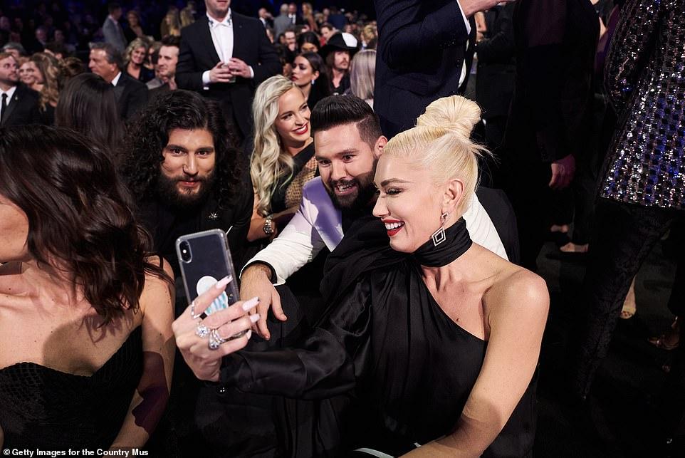 Dan + Shay + Gwen: Dan Symers, Shay Mooney and Gwen Stefani pose for a selfie