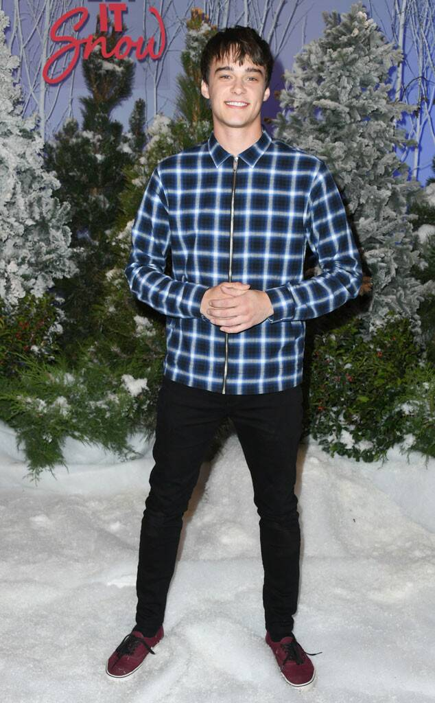 Mitchell Hope, Let It Snow Premiere