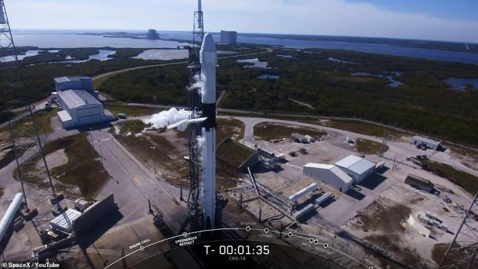 The mission had been scheduled to launch yesterday, but rough winds detected in the upper atmosphere forced a one-day delay for safety reasons. However, it was a beautiful day in Cape Canaveral with low wind speeds, allowing SpaceX to give the launch another go