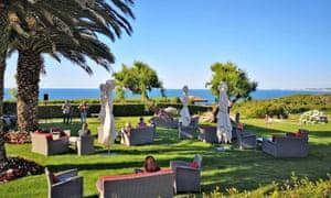 The garden of hotel La Réserve, with ocean views