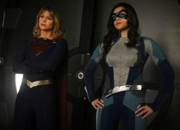 supergirl-nicole-maines-melissa-benoist-supergirl-dreamer