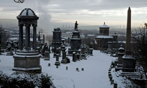 the glasgow necropolis under snow