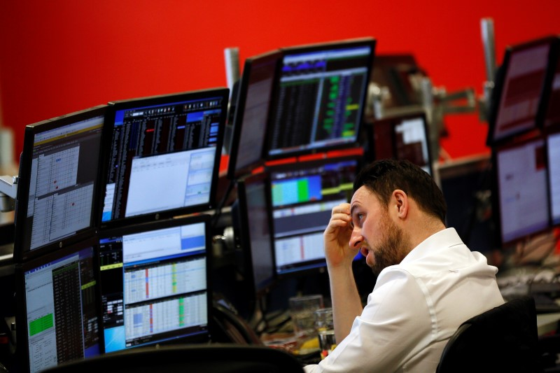© Reuters.  Canada shares higher at close of trade; S&P/TSX Composite up 1.47%