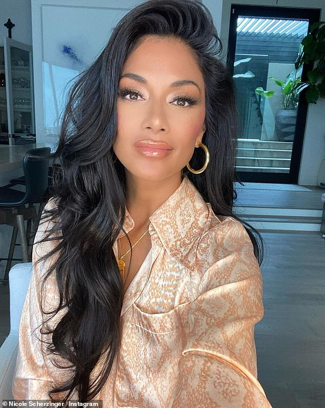 Effortless:But Nicole was candidly honest about her seemingly effortless glamour in her post, admitting the stylish ensemble took her a grand total of 'three hours'