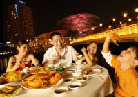 dining in singapore