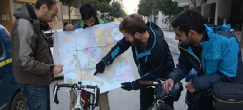 Θεσσαλία: Ταξίδι 100 ημερών με ποδήλατο - Το στοίχημα για ισάριθμες φωτογραφίες από Ευρωπαϊκές πόλεις!