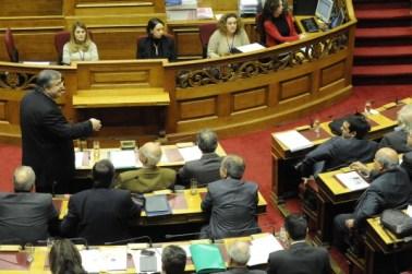 Θύελλα για τη δικογραφία στη Βουλή! Το ΠΑΣΟΚ στρέφεται κατά της Εισαγγελέως Διαφθοράς