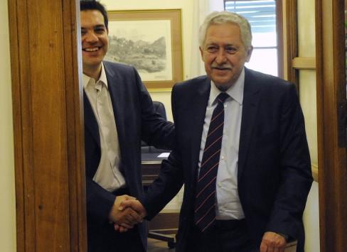 Έχουν δώσει τα χέρια! ΣΥΡΙΖΑ και ΔΗΜΑΡ θα κατέβουν μαζί στις εκλογές - Ο Τσίπρας θέλει Κουβέλη πρόεδρο της Βουλής