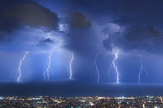Έκτακτο δελτίο επιδείνωσης καιρού με πολύ ισχυρές καταιγίδες