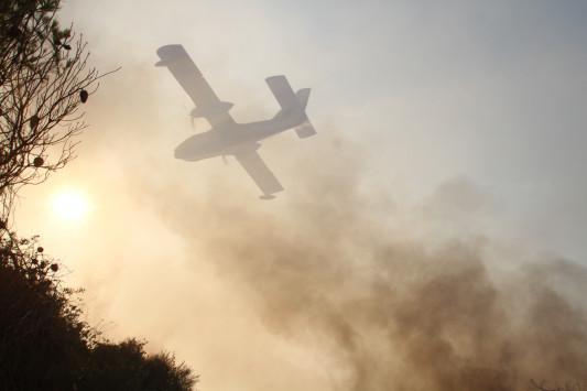 Πύρινη κόλαση με 4 μέτωπα στη Θάσο – Εκκενώθηκαν χωριά – Φωτιά τώρα και το Άγιο Όρος