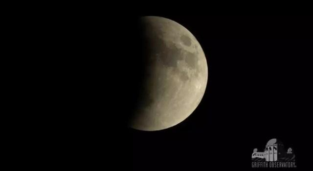 blue moon ματωμένο φεγγάρι