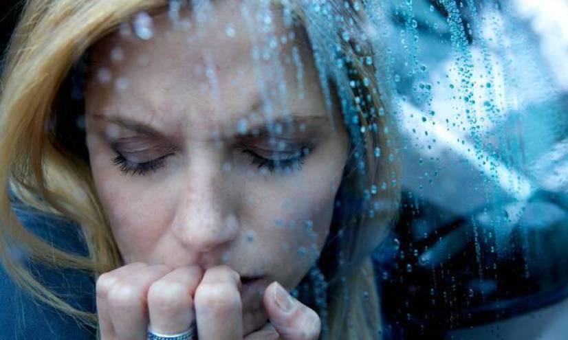Κατάθλιψη: Με αυτά τα 9 συμπτώματα εκδηλώνεται σωματικά
