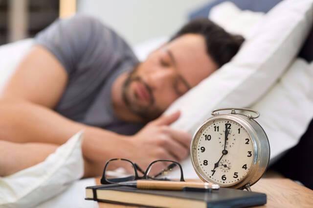 Οι 3 συνήθειες στον ύπνο που αυξάνουν τον κίνδυνο καρκίνου