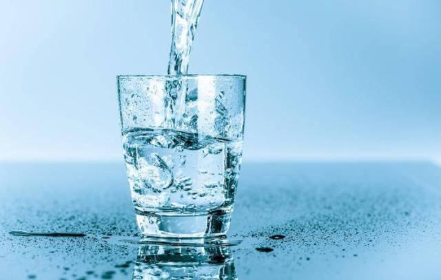 Αλάτι: 5 σημάδια που στέλνει το σώμα ότι πρέπει να το ελαττώσετε