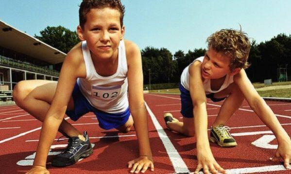 Πιο αδύναμα οστά έχουν οι έφηβοι που δεν ασκούνται