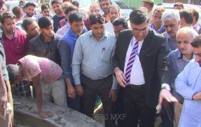 SMC Commissioner visits Bemina, takes stock of public grievances
