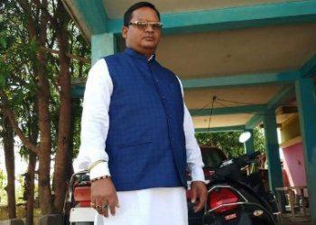 छत्तीसगढ़: नक्सलियों ने सपा नेता का अपहरण कर की हत्या, बीच सड़क पर फेंका शव