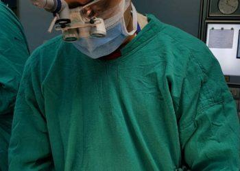 BHU : गंभीर चुनौतियों के बाद भी बीटिंग हर्ट सर्जरी कर इस डॉक्टर ने रचा इतिहास