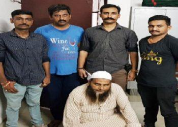 आजमगढ़: सिमी के पूर्व राष्ट्रीय अध्यक्ष को गुजरात पुलिस ने घर से दबोचा