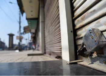 सख्ती बढ़ी: वाराणसी में 3 मई तक कोई दुकान नहीं खुलेगी, कैसे मिलेगी जरूरत की चीज- जानें